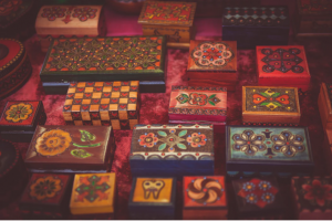 Jewelry boxes attract customers